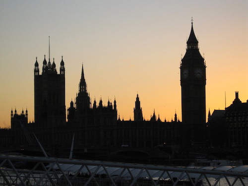 london-westminster-at-dusk-1223216-640x480