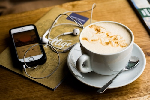 headphones-coffee