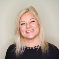 One : One – Julie Butler, CEO and Founder of LashBase Ltd